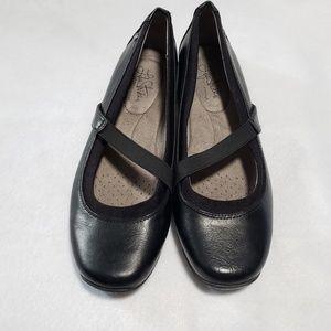 Life Stride Slip On Black Career Shoes size 9.5M
